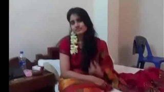 Sexy Bengali bhabhi hot honeymoon sex leaked video