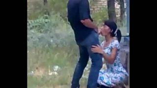 Hidden cam mms scandal Outdoor blowjob of a sexy Indian girl