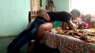 iXXX com desi sex scandal mms clip of desi maid with young boy
