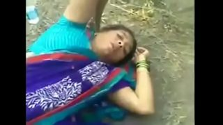 Desi Village sex video of Horny Wife Outdoor Sex With Lover