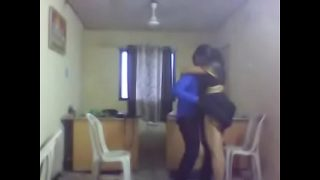 wwwxvideos2com Desi Indian Aunty affair in office Sex mms video