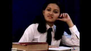 xxxx Beautiful indian school girl Removing her Dress wwwxxxcom