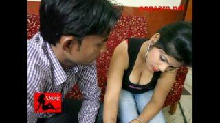 हॉट टीचर के दूध देखके स्टूडेंट के उड़े होश हिंदी सेक्सी ऑडियो वीडियो