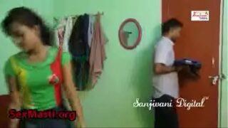 स्टूडेंट को घर पर अकेली देखके टीचर ने लूटी इज्जत हिंदी ऑडियो xvideos